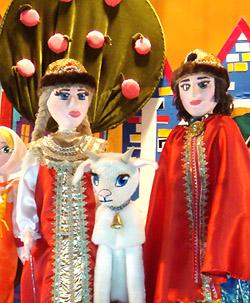 Эпизод из спектакля «Сестрица Алёнушка и братец Иванушка»