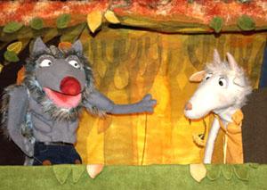 Коза и Волк. Сцена из спектакля Волк и семеро козлят.